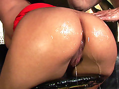 Simony is out for a night on the town to find some cock to satisfy her big butt. She ends up meeting a bartender who has the cock she\'s been looking for. Her ass gets oiled up real nice and fucked just right.video
