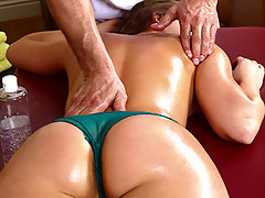 When Toni the masseur shows up at Remy\'s door, she\'s pretty confused. She didn\'t order a massage! But since it\'s paid for, why not accept it? Especially since the rubdown he\'s about to deliver is the full service...video