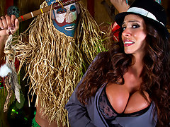 Ariella Ferrara goes to a witch doctor to find a way to win her man back. There\'s just one catch: the love potion won\'t work unless this hot Milf is really turned on when she uses it. The witch doctor gets busy riling up his patient, and bringing her to the multiple orgasms that are a key part of making this charm work.video