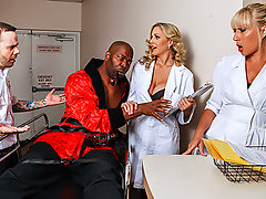 Doctor Julia is working her shift when a man acting like the reincarnation of Don Juan is brought in. Julia isn\'t convinced he\'s crazy, but she can clearly see his nuts as she gobbles down his cock and let\'s herself be seduced!video