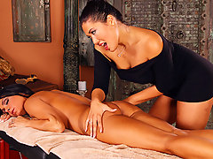 London leads Jessica into the massage room. Jessica is a bit apprehensive and nervous, while London, the masseuse exudes calm and confidence. London exits, leaving Jessica alone in the room. Jessica slowly gets undressed. London, outside the room, watches undetected and she likes what she sees. Once naked, London enters and begins a massage that Jessica is never going to forget.video