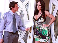 Mariah has been waiting on her stimulus check from President Obama, he made so many promises on the campaign trail and now she expects her money. The federal government sends Agent Gunn to deliver a much needed stimulus to Mariah and she's so satisfied when it cums.video