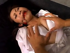 Maki Tomoda experiences getting tied up in different ways