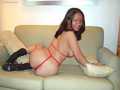 Hot bodied Filipina shakes her fine ass and titsvideo
