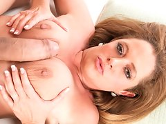 Small-town MILF, big-time loadvideo