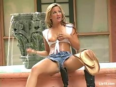 Lia 19 plays cow girlvideo
