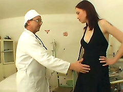 Sexy Babe Enters Sex Clinicvideo