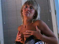 Horny mature slut playing with herselfvideo
