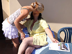 Hot blonde babe doing an older chubby lesbianvideo