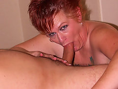 This horny mama loves getting it from behindvideo