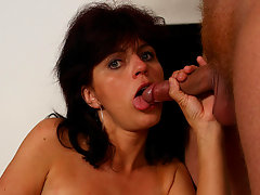 Kinky mama gets a mouth full of cumvideo