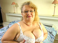 This big old lady wants cock and cumvideo