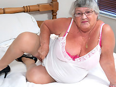 This granny loves to get wet herselfvideo
