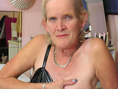 horny dutch mature slut showing her soaking wet cuntvideo