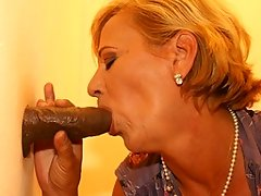 Mama needs a big black cock to eat and ridevideo