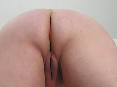 This big mature slut loves to play with herselfvideo