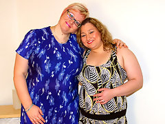 Two chubby mature lesbians go at itvideo