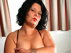 Housewife Wendie loves to be naughtyvideo