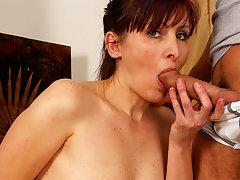 Horny housewife getting takin it like a provideo