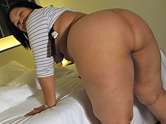 This big booty mama knows how to please herselfvideo