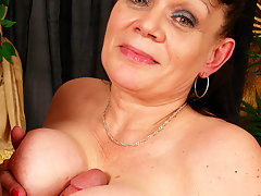 Granny loves to get her mouth filled with jizzvideo