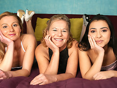 Three old and young lesbians make it big on the bedvideo