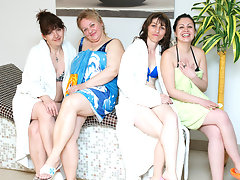 These women love to unwind in an all mature saunavideo