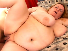 This massive BBW babe get fuck hard and suck cock in here! video