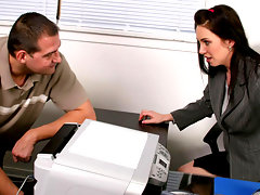 Blue eyed anilos babe rayveness sucks and fucks the office helpvideo