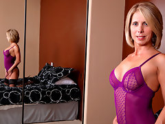 Jenny Mason massages lotion on her tits and masturbatesvideo