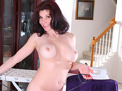 Busty housewife takes a break from chores to please her hairy pussyvideo