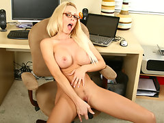 Long blonde haired Anilos beauty masturbates in her officevideo