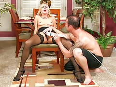 Payton Leigh gets overly satisfied with magic wand vibrationsvideo