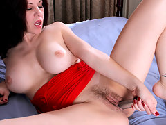 Anilos Kinsey pummels her hairy fuck box with a dildovideo