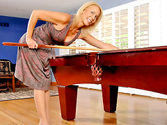 Leggy Anilos lady teases her clit with a vibe on the pool tablevideo