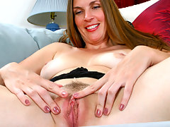 Brunette cougar Laila spreads her fuzzy pink mature pussyvideo