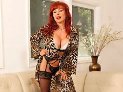 Stunning red haired Anilos diva fingers her needy pussyvideo