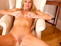 Tan blonde bombshell with big boobs stimulates her pretty pussy video