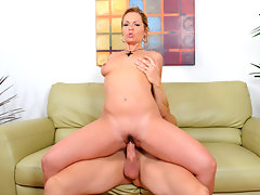 Mature milf Kelly Leigh seduces her younger co-worker and rides his cock til she gets a taste of his cumvideo