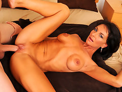 Long haired milf Sarah Bricks gets fucked in bed and craves for a hot cum load on her face and tonguevideo