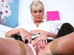 Dimonte with her sexy thick British accent talks with clients as she works herself up, you can hear the pussy juice as she vigorously masturbates.video