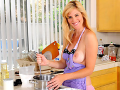 Cougar beauty Kate Kastle fucks herself on the kitchen countervideo