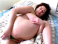 This matured bbw model named Snow White starts this clip by showing off her big belly and plump tits. This hardcore clip starts with Snow coming into the set totally naked to examine her wet pussy with a vibrator while cramming her slit with a huge dildo.video