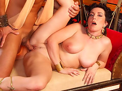 Busty woman seduces a man & wishes her ass will be pounded!video