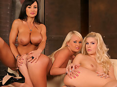Behind the scenes look with Lisa Ann, Brandy and Amelievideo