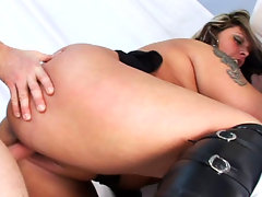 Pretty BBW sucking dick then gets her hot wet cunt poundedvideo
