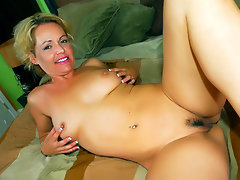 What can we say about Kelly Leigh that hasn\'t already been said? She\'s a super hot and dirty blonde MILF with a ferocious appetite for sex. Here we have this interracial scene with Kelly taking a huge monster black dick in her bushy cunt and gets her untamed pubes sprayed with spunk.video