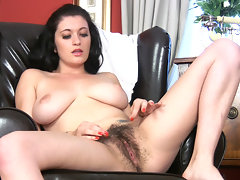 Beautiful busty brunette Brook Scott\'s having a sit when she gets an itch that needs scratching. She strips off her clothes and begins to rub her moist hairy pussy, on and off the chair until she cumsvideo