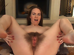 All natural Erin Eden strips off, lays on her back and spreads her thick legs. Her big thick hairy pussy will captivate your attention instantly.video