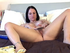 There is nothing like some amazing hairy porn.  A hairy woman can be a huge turn on, especially Amber Lustful when she plays with herself.  Being able to rub herself into pleasure is quite a site.video